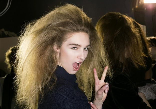 Comment démêler ses cheveux sans les abîmer ?