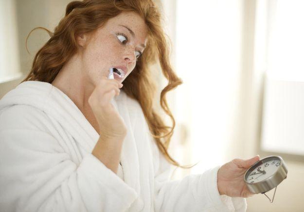 Shampoing sec : les femmes pressées ont-elles arrêté de se laver les cheveux ?