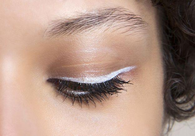 Eye liner blanc fumé