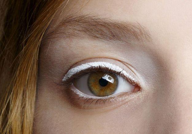 Eyeliner blanc simple