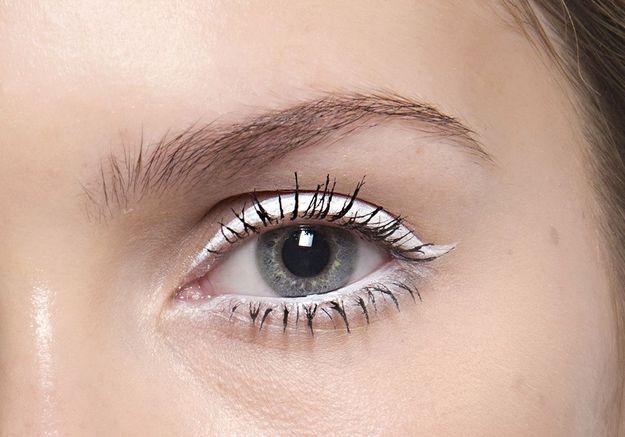 Eyeliner blanc trait épais