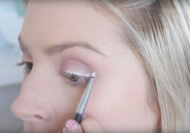 Tuto : comment mettre de l'eye-liner blanc
