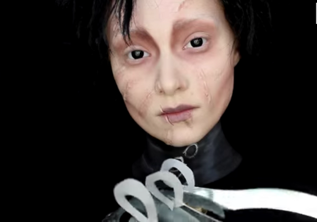 Maquillage Halloween : Edward aux mains d'argent