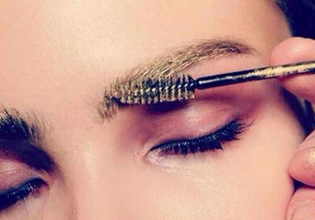 Des sourcils dorés chez Alexandre Herchcovitch