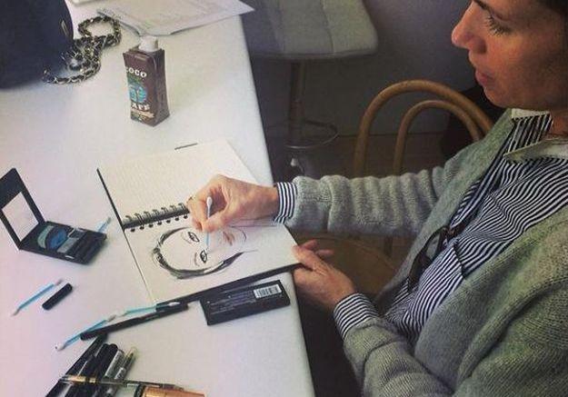 La maquilleuse Gucci Westman prépare sa face chart