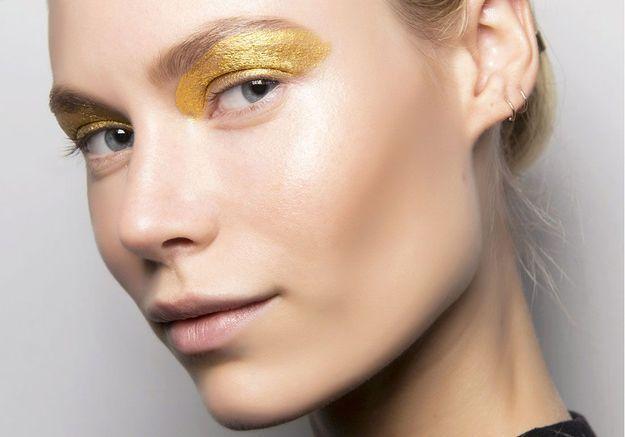 55 façons chics de porter le maquillage pailleté