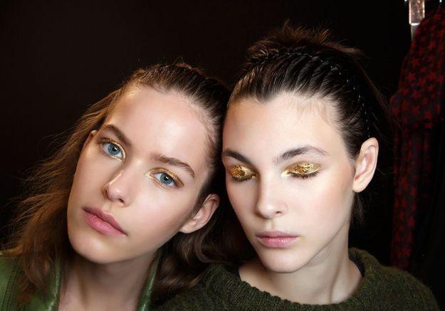 L'art de porter le maquillage doré