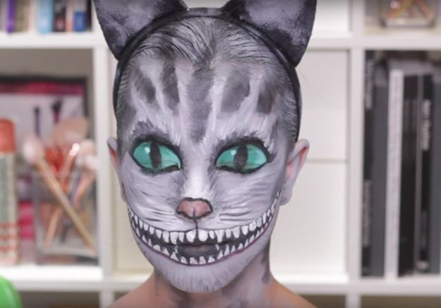 Maquillage Halloween d'enfant : le chat du Cheshire