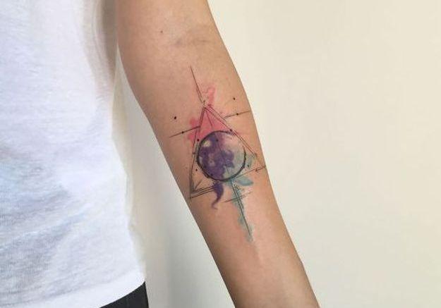 tatouage aquarelle g om trique les plus jolis tatouages aquarelle pour voir la vie en. Black Bedroom Furniture Sets. Home Design Ideas