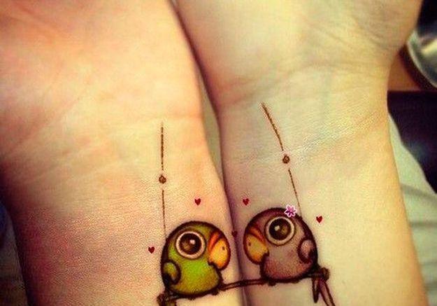 tatouage couple oiseau 15 id es de tatouages faire deux elle. Black Bedroom Furniture Sets. Home Design Ideas