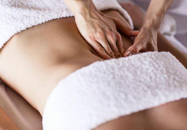 Le massage du ventre, le geste facile qui fait du bien