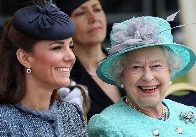 Voici le vernis préféré de la reine d'Angleterre depuis 28 ans (et validé par Kate)