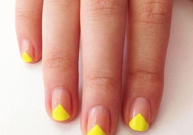 French manucure jaune