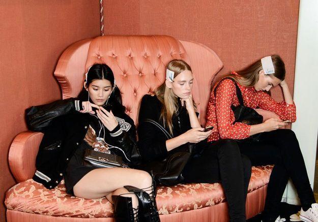 Text neck : une ride due aux smartphones fait son apparition