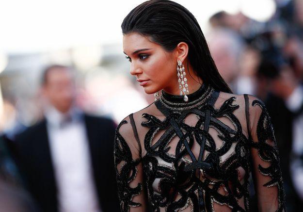 084ead104d7 Le look du jour de Cannes   Kendall Jenner en Cavalli Couture - Elle