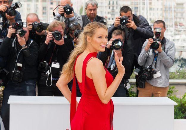 Cannes 2016 : Blake Lively dévoile sa grossesse sur la Croisette