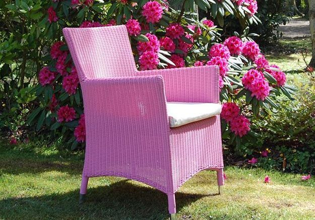 The pink chair, Le cedre rouge