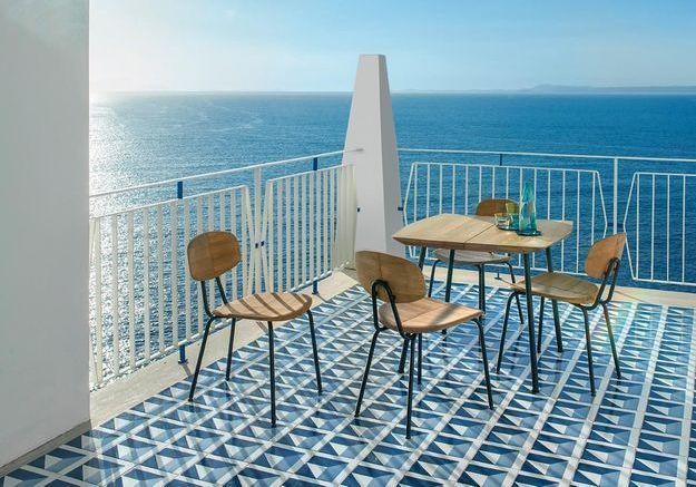 Ces chaises de balcon vont vous donner envie de farniente !