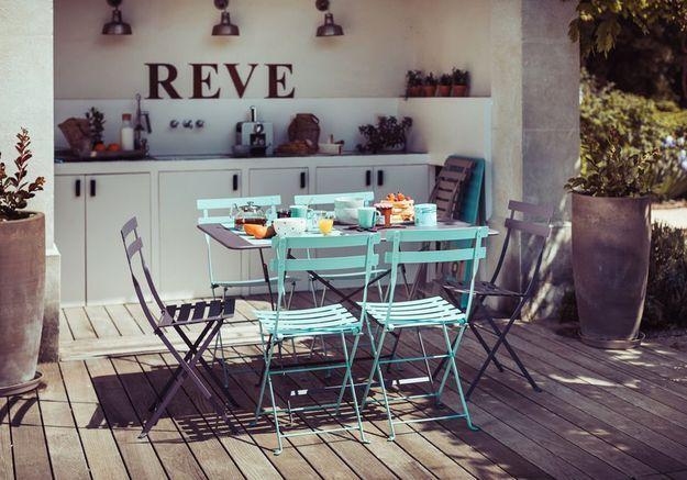 Une chaise de balcon Fermob