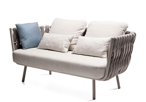 Sofa Tosca, Tribù