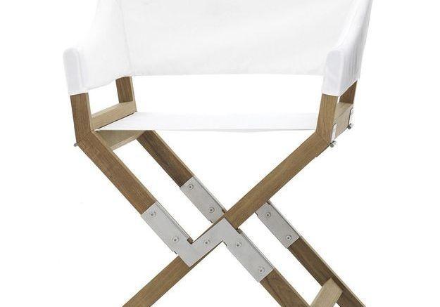 Un fauteuil en teck pliant