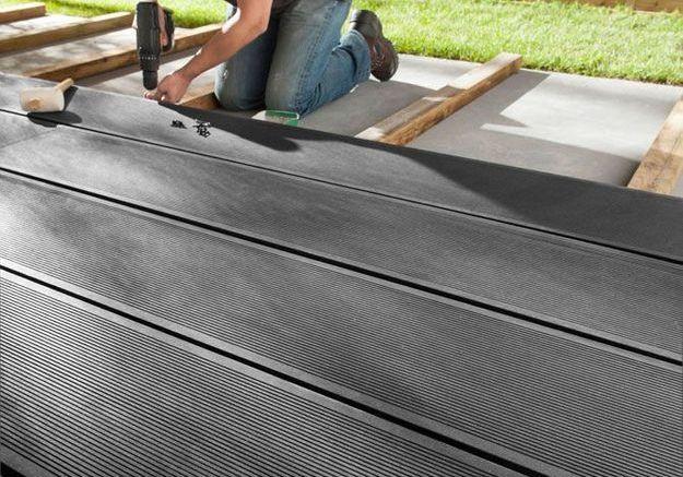 Le composite pour un revêtement de terrasse pas cher