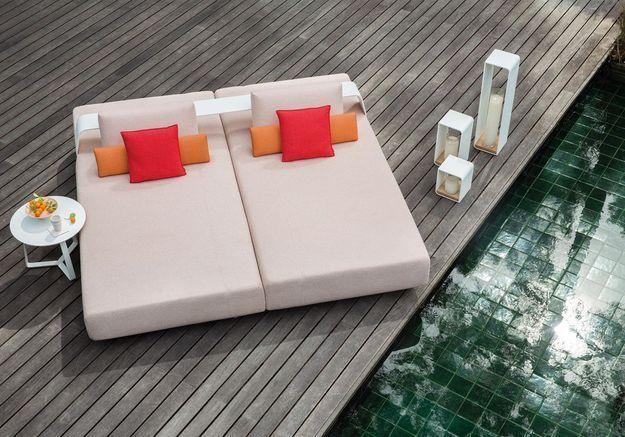 Une terrasse avec piscine qui invite à la paresse