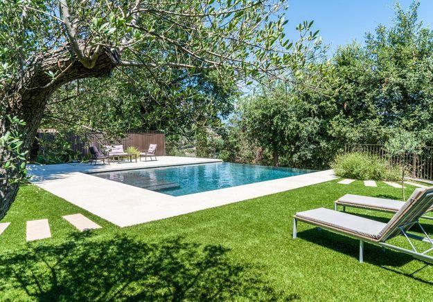 """Trophée d'argent ex-æquo dans la catégorie """"piscine familiale de forme angulaire"""""""