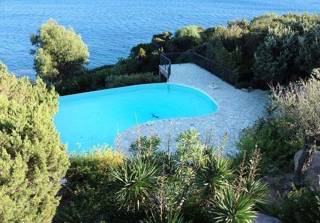 Avant n°3 : une piscine de forme libre