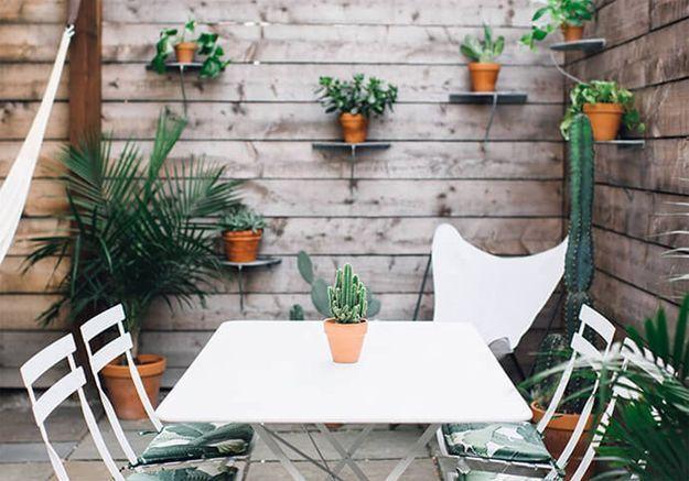 15 idées pour pimper le mur de sa terrasse