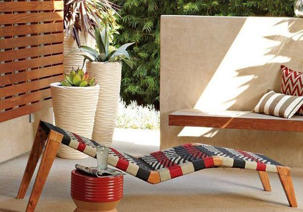 Du mobilier coloré fabriqué par des artisans sud-africains