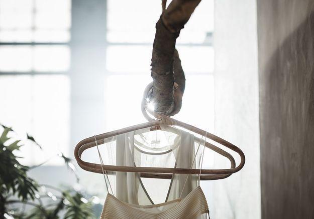 Des cintres en rotin fait à la main pour l'authenticité