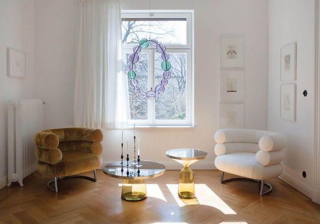Les tables basses en verre coloré de Classicon
