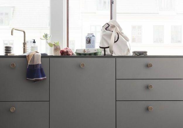 Les poignées de tiroirs couture dans la cuisine