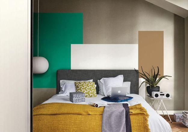 Une chambre grain de sable, blanc pur, vert golf et miel ambré