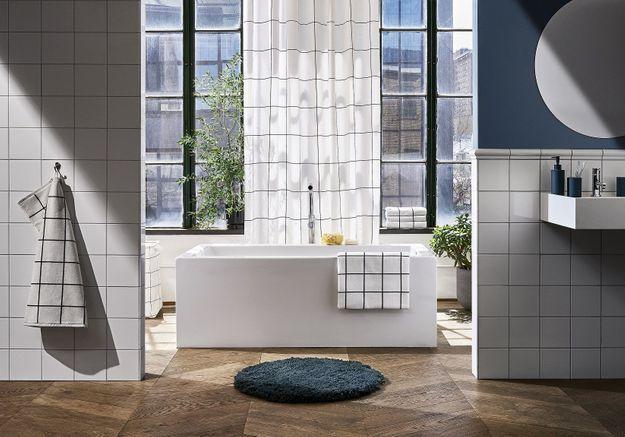 La salle de bains graphique chez H&M Home