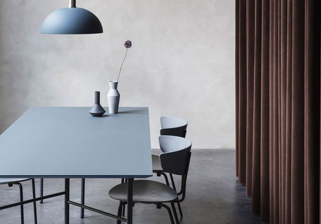 Des pièces bleues au design minimaliste pour un rendu tendance