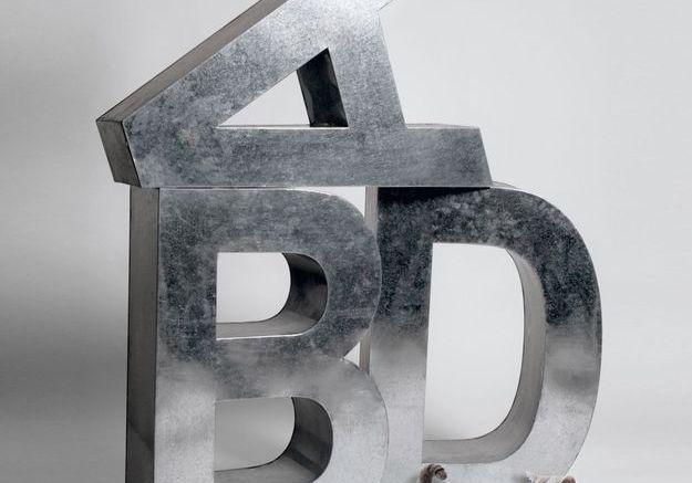 Lettres en fer Seletti à La Manufacture du Design