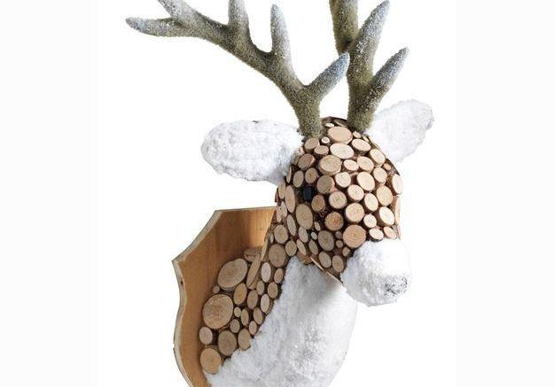 Trophée caribou en bois et peluche