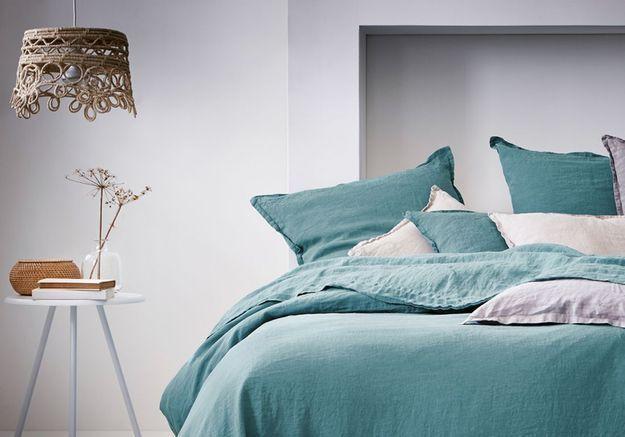Inviter le bleu pour une chambre cocooning
