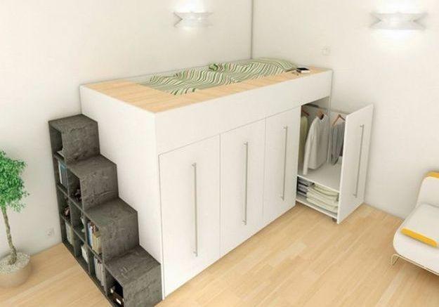 Un espace de rangement sous le lit