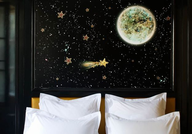 Une tête de lit comme un tableau