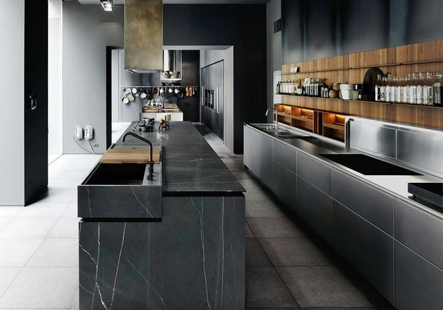 Une cuisine bois et noir sur mesure