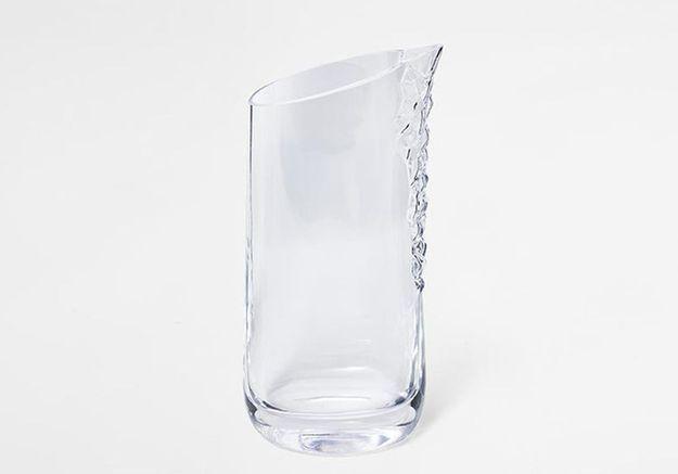 Vaisselle design : une carafe qui évoque le cristal