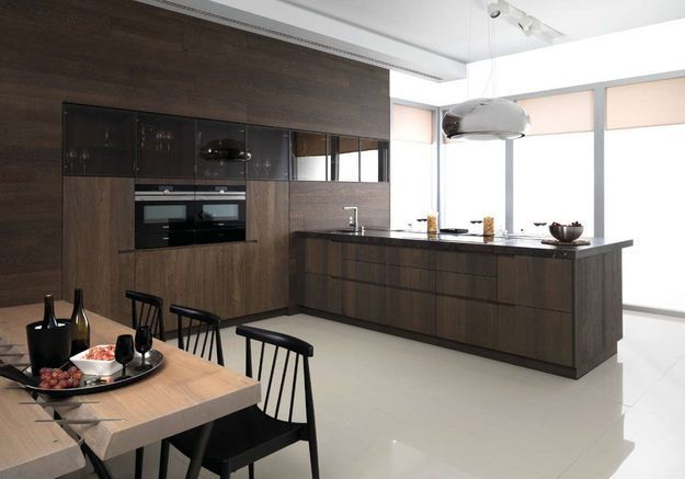 Meuble de cuisine : des placards du sol au plafond