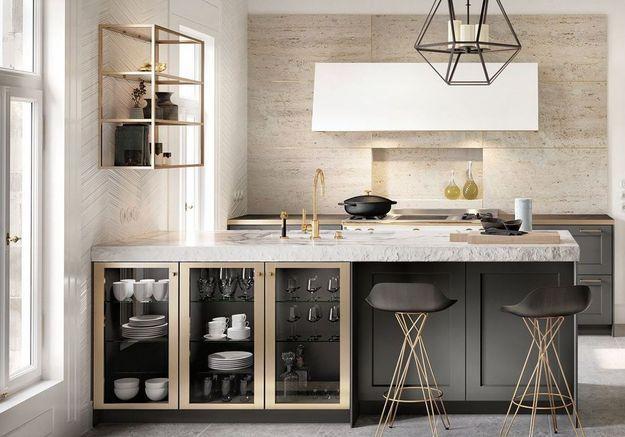 Meuble de cuisine : des placards vitrés pour ranger la vaisselle