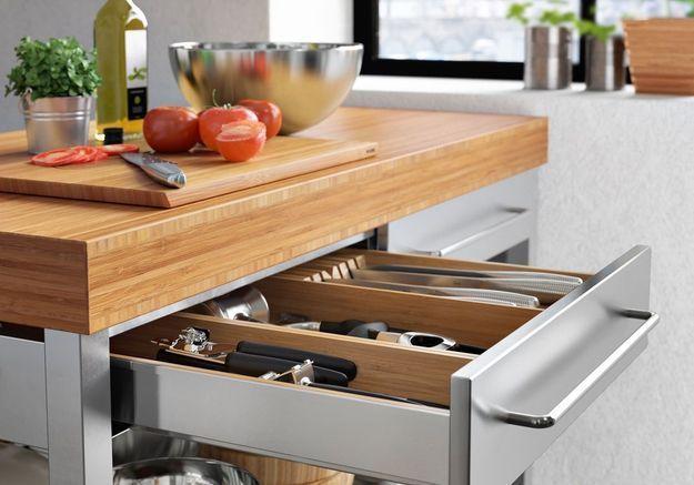 Meuble de cuisine : un tiroir range-couverts