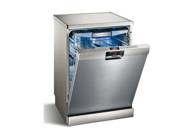 Un lave vaisselle avec écran interactif