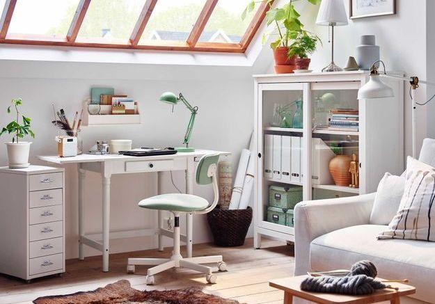 Un bureau IKEA rustique