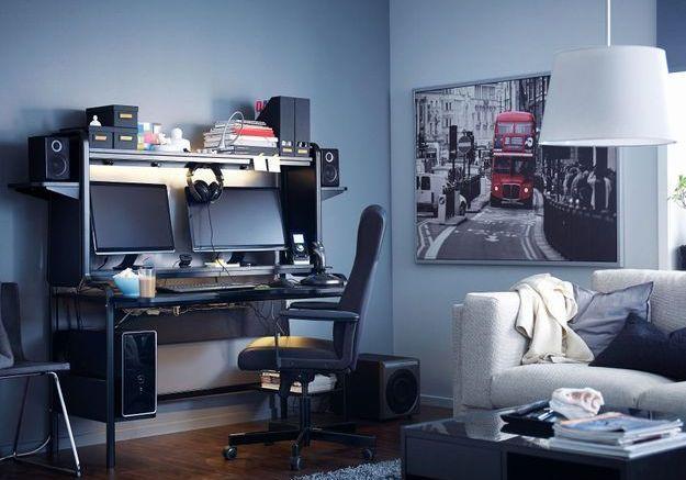 Un bureau IKEA XXL